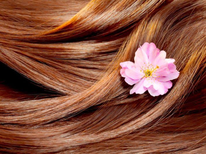 وصفات لتعطير الشعر: حضريها بنفسك!