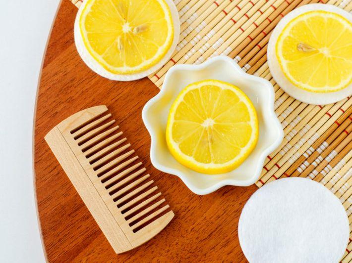 وضع عصير الليمون على الشعر: وصفات وفوائد