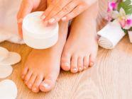 جفاف بشرة القدمين: الأسباب والحلول ونصائح للوقاية