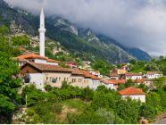 دليلك السياحي الشامل إلى تيرانا ألبانيا؛ لرحلة مميزة