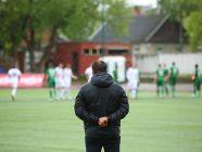 ما هي صفات شخصية مدرب كرة القدم؟