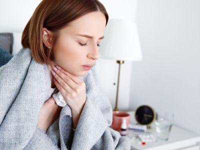 الفرق بين كوفيد-19 والإنفلونزا والرشح