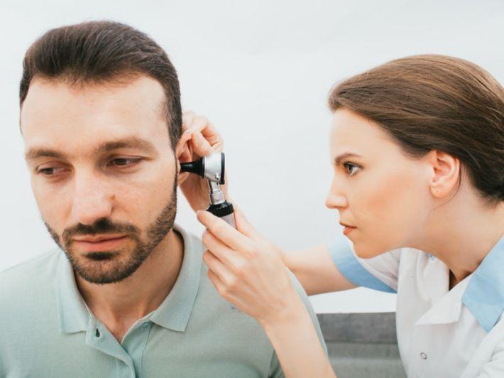 ألم الأذن بعد الرشح: لماذا وما العمل؟