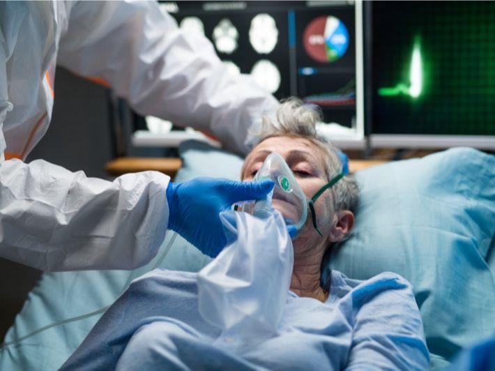 لماذا يحتاج بعض مرضى كوفيد-19 لجهاز التنفس الاصطناعي؟