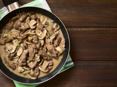 ستروجانوف اللحم، بطريقة سهلة وبسيطة