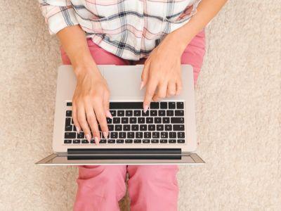 كيف أفتح رسائل البريد الإلكتروني؟